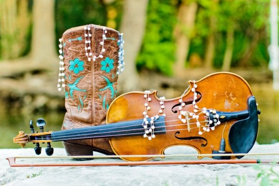 pearl_jewelry_with_fiddle_and_boots